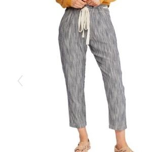 Free People NWT cropped pants size 8 striped